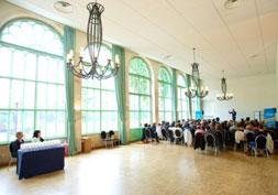 Organisation d'un séminaire d'entreprise dans l'orangerie du château